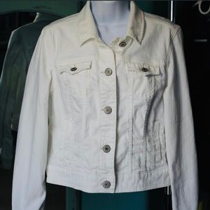 American Eagle Outfitters white denim jacket Large